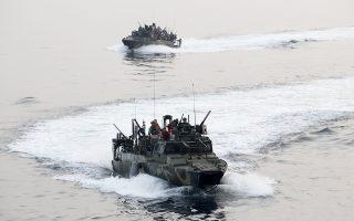 Ακταιωροί του αμερικανικού Πολεμικού Ναυτικού όπως αυτές που πιάστηκαν από το ιρανικό Ναυτικό, σε άσκηση του 2013.