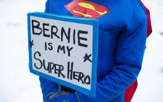 Κάποιοι υποστηρικτές του Μπέρνι Σάντερς προτιμούν τη μυθολογία των υπερ ηρώων από αυτήν του κινήματος βάσης που επικαλείται ο υποψήφιος.