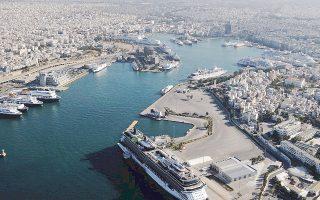 Από τη χώρα μας περνάει ο θαλάσσιος δρόμος του μεταξιού, από το λιμάνι του Πειραιά και καταλήγει στη Βενετία. Από τον Πειραιά σιδηροδρομικώς θα συνεχίζεται η διανομή των εμπορευμάτων στην υπόλοιπη Ευρώπη.