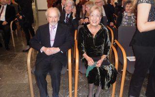 Tο ζεύγος Nicholas και Matti Egon στην τελετή απονομής σε αυτούς του Jan Masaryk Medal για την πολιτιστική τους προσφορά, στην τσεχική πρεσβεία στις 14 Iανουαρίου 2016.