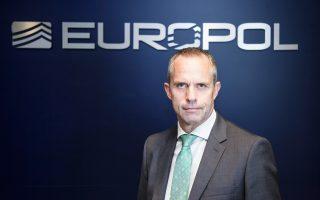 «Το 20% με 30% των περίπου 5.000 Ευρωπαίων πολιτών που εντάχθηκαν στο Ισλαμικό Κράτος έχει επιστρέψει στην Ευρωπαϊκή Ενωση» δηλώνει στην «Κ» ο υποδιευθυντής Επιχειρήσεων της Europol, Wil van Gemert.
