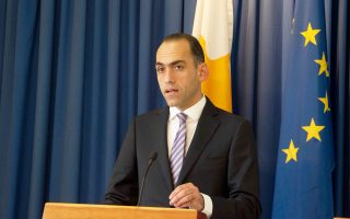 Η επιτυχής ολοκλήρωση της ένατης και προτελευταίας αξιολόγησης του κυπριακού προγράμματος ανοίγει τον δρόμο για τον απεγκλωβισμό της Κύπρου από το μνημόνιο. Σύμφωνα με τον υπουργό Οικονομικών Χάρη Γεωργιάδη (φωτ.), αυτό θα συμβεί οριστικά τον Μάρτιο.