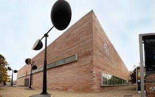 Μουσείο Μπενάκη: η αλλαγή στο τιμόνι της διεύθυνσής του έχει προκαλέσει πολλές συζητήσεις. Ο ποιητής Αντώνης Ζέρβας τάσσεται κατά της επιλογής Ντεκότ.