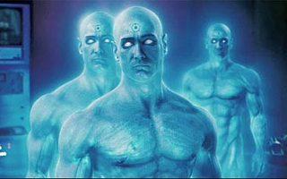 Ο δρ Μανχάταν στην ταινία «Watchmen» μπορεί να βρίσκεται σε πολλά σημεία του χώρου ταυτόχρονα όπως τα μικροσωματίδια στην κβαντοφυσική.