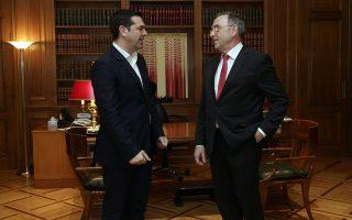 al-tsipras-polloi-echoyn-chasei-ton-ypno-toys-me-tin-prospatheia-tis-kyvernisis-kata-tis-forodiafygis0