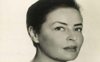 Η μεσοπολεμική ομορφιά της Βιέρα Γκραν σε φωτογραφία της νεότητάς της, όταν της άρεσε να τη συγκρίνουν με την Γκάρμπο ή τη Μάρλεν Ντίτριχ.