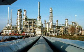 Η νέα βουτιά της τιμής του πετρελαίου κατά 4,9%, στα 31,97 δολάρια ανά βαρέλι, αναζωπύρωσε την ανησυχία και τις πιέσεις στα ευρωπαϊκά χρηματιστήρια.