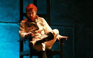 Ο Σπύρος Κυριαζόπουλος παρουσιάζει τη δική του προσέγγιση στον Οσκαρ Ουάιλντ (Θέατρο Ανεσις).