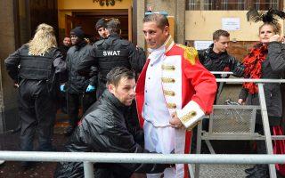 Πέντε ημέρες και πέντε νύχτες, όσο διαρκεί η γιορτή του καρναβαλιού στην Κολωνία, θα διαρκέσουν και οι εκτεταμένοι αστυνομικοί έλεγχοι.