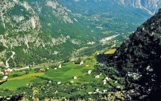 Εχει καταστραφεί σχεδόν ολοκληρωτικά ο δασικός πλούτος της Αλβανίας εξαιτίας της παράνομης υλοτομίας και εκχέρσωσης των δασικών εκτάσεων.