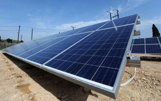 ptosi-stin-egkatastasi-fotovoltaikon-to-20150