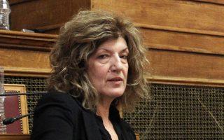 Η κ. Αναγνωστοπούλου κατηγόρησε τα πανεπιστήμια και τα ΤΕΙ για βιομηχανία μεταπτυχιακών αμφιβόλου ποιότητος.