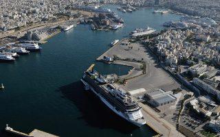Με τον ελληνικό τουρισμό να αναμένεται να συνεχίσει να μεσουρανεί παρά τα όποια παροδικά προβλήματα, τις τιμές των καυσίμων να έχουν υποχωρήσει εντυπωσιακά και τις εταιρείες να έχουν προχωρήσει σε εκτενή αναδιάρθρωση δρομολογίων αλλά και δαπανών, είναι εύλογο το ξένο επενδυτικό ενδιαφέρον.