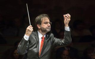 Οι ικανότητες του Τούρκου αρχιμουσικού Αλπασλάν Ερτινγκεάλπ οδήγησαν την Κρατική Ορχήστρα Αθηνών  σε μια από τις επιτυχέστερες συναυλίες της (© Α. Felvegi).