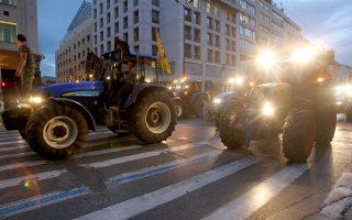 Μετά την «παρέλαση» στο κέντρο της Αθήνας, τα τρακτέρ επέστρεψαν στη Νίκαια