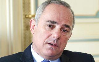 «Ο Ευρωπαίος επίτροπος Ενέργειας μου μετέφερε την εκτίμηση πως στο East Med –το τρίγωνο που καλύπτει τις ΑΟΖ του Ισραήλ, της Κύπρου και της Αιγύπτου– είναι πολύ πιθανό σε μερικά χρόνια να βρεθούν κοιτάσματα μεταξύ 8.000 και 12.000 bcm», δηλώνει στην «Κ» ο υπουργός Ενέργειας του Ισραήλ, Γιουβάλ Στάινιτζ.