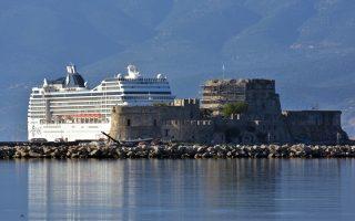 Η MSC Cruises πριν από λίγες ημέρες γνωστοποίησε ότι το πλοίο της MSC Magnifica δεν πρόκειται να προσεγγίσει φέτος τα λιμάνια της Κωνσταντινούπολης και της Σμύρνης, αντικαθιστώντας τα με εκείνα της Αθήνας και της Μυκόνου, αρχής γενομένης από τις 26 Μαρτίου και μέχρι το τέλος της τουριστικής σεζόν στη Μεσόγειο τον Οκτώβριο.