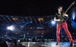 Η μπάντα, που αποτελεί το σημαντικότερο ίσως ροκ σχήμα στον πλανήτη την τελευταία δεκαετία, είναι διάσημη για τις ζωντανές εμφανίσεις της.