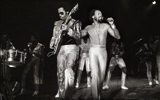 Ο Μορίς Γουάιτ (δεξιά) με τον Τζόνι Γκράχαμ το 1982.