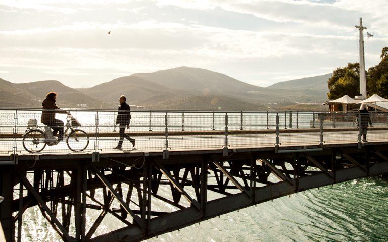 H κινητή συρταρωτή γέφυρα του Ευρίπου υπήρξε παγκόσμια καινοτομία όταν κατασκευάστηκε το 1962. (Φωτογραφία: ΔΗΜΗΤΡΗΣ ΒΛΑΪΚΟΣ)