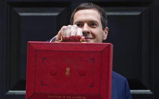 Ο προϋπολογισμός που κατέθεσε ο Βρετανός υπουργός Οικονομικών Τζ. Οσμπορν (φωτ.) προβλέπει ευνοϊκότερη φορολόγηση με μείωση του συντελεστή επί των εταιρικών κερδών στο 17% έως και το 2020 από το ισχύον 20%, μέτρο το οποίο θα ωφελήσει σχεδόν 1 εκατ. ομίλους στη Βρετανία.
