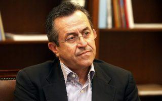 ο κ. Νίκος Νικολόπουλος δήλωσε χθες «παρών» στις διεργασίες συγκρότησης του νέου κόμματος στα «δεξιά» της Ν.Δ.