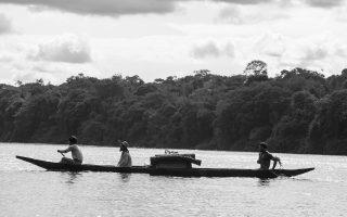 Ο Γερμανός εθνολόγος Τεοντόρ Κοχ Γκρίνμπεργκ (1872 -1924) εξερεύνησε δύο φορές τον Αμαζόνιο. Στην ταινία τον υποδύεται ο Γιαν Μπιζοβέ (στο κέντρο της φωτ.).
