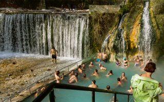 Τα λουτρά Πόζαρ, ίσως το πιο όμορφο φυσικό περιβάλλον ιαματικών πηγών στην Ελλάδα ( Φωτογραφίες: Δημήτρης Βλάικος)
