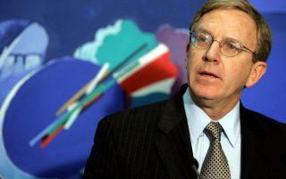 «Και οι ελληνικές αρχές πρέπει να αλλάξουν τον τρόπο που διαχειρίζονται τις ροές», τονίζει στην «Κ» ο κ. Τσαρλς Ρις.