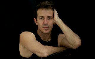 Ο χορογράφος Αντώνης Φωνιαδάκης αναλαμβάνει καθήκοντα διευθυντή του Μπαλέτου της ΕΛΣ.