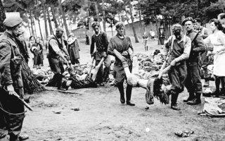 Τη φρίκη του παρελθόντος από τα ναζιστικά στρατόπεδα συγκέντρωσης περιγράφουν οι επιζήσαντες κρατούμενοι, που ζήτησαν αποζημίωση για τα δεινά τους.