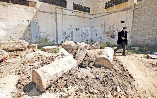 Οι ριγμένοι κίονες ανήκουν κατά πάσα πιθανότητα σε βυζαντινό καθεδρικό ναό που χρονολογείται πριν από 1.500 χρόνια. Τα σημαντικά ευρήματα, που φέρουν και χριστιανικά σύμβολα, εντοπίστηκαν στο κέντρο της Λωρίδας της Γάζας κατά τη διάρκεια χωματουργικών εργασιών για την ανέγερση εμπορικού κέντρου.