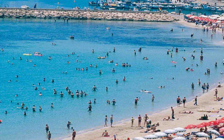Μονοψήφια αύξηση τουριστικών αφίξεων στην Ελλάδα αναμένει φέτος η Tui