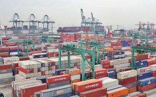 Οι εξαγωγές της Κίνας αυξήθηκαν τον Μάρτιο για πρώτη φορά μετά τον περασμένο Ιούλιο, γεγονός που προκάλεσε ευφορία στις αγορές.