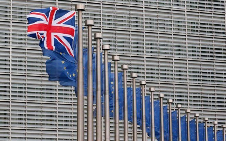 Η Βρετανία κινδυνεύει με ύφεση σε περίπτωση εξόδου από την Ε.Ε.