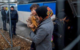 Πρόσφυγες καταφθάνουν στη Γερμανία, ως αιτούντες άσυλο.