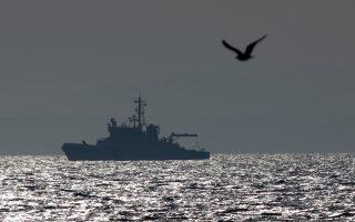 Τα νατοϊκά πλοία δεν ελλιμενίζονται σε λιμάνια των Δωδεκανήσων και συνολικά το επιχειρησιακό σχέδιο δεν έχει καν εκπονηθεί στο σύνολό του για το προσφυγικό. Κι όλα αυτά, εξαιτίας των πολλαπλών τουρκικών βέτο.