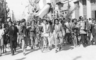Οκτώβριος 1944, η Αθήνα απελευθερώνεται, οι Ελληνες πανηγυρίζουν το τέλος της Κατοχής. Ο μεγάλος αριθμός μελετών και νέας ιστοριογραφίας, που ξαναβάζει στο τραπέζι του διαλόγου τον ελληνικό 20ό αιώνα, είναι ένα φαινόμενο που πρέπει να εξεταστεί.