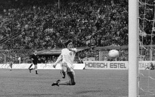 Οι κινήσεις, το αρχοντικό στυλ του, η ομορφιά που έδινε στο ποδόσφαιρο θα μείνουν για πάντα χαραγμένα στην ιστορία του αθλήματος.