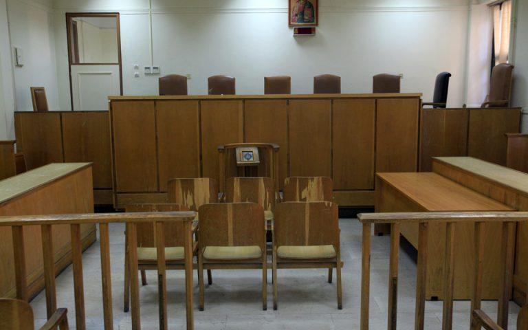 Οταν η αποχή των δικηγόρων… εκδικείται