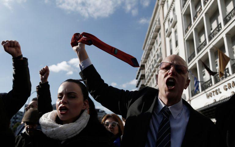 Παράταση της πανελλαδικής αποχής των δικηγόρων μέχρι τις 25 Απριλίου