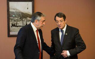 Στο περιουσιακό έχουν κολλήσει αυτή την εποχή οι διαπραγματεύσεις μεταξύ του προέδρου της Κύπρου Νίκου Αναστασιάδη και του Τουρκοκύπριου ηγέτη Μουσταφά Ακιντζί, οι οποίες συνεχίζονται και κατά την προεκλογική περίοδο.