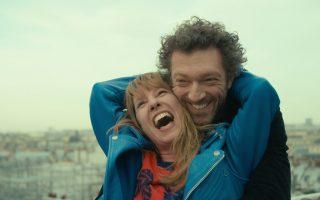 Η Εμανουέλ Μπερκό, βραβευμένη για την ερμηνεία της στις Κάννες, απεικονίζεται μαζί με τον Βενσάν Κασέλ. Η ταινία τους θα προβάλλεται από τις 21/4.