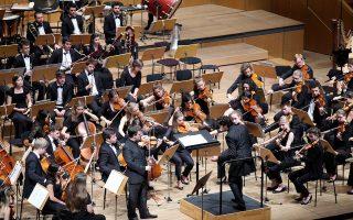 Ο Φρανκ Πέτερ Τσίμερμαν, ένας από τους πλέον άξιους βιολονίστες, απέδωσε εξαιρετικά τα δύο Κοντσέρτα του Μπάρτοκ.