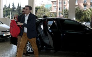 Ενώ ο κ. Ευκλείδης Τσακαλώτος ετοιμάζεται να ταξιδέψει στην Ουάσιγκτον για την εαρινή σύνοδο του ΔΝΤ, στην Αθήνα συζητείται το ενδεχόμενο να αποχωρήσει από το υπουργείο Οικονομικών μετά τη συμφωνία.
