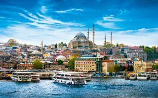 Σχεδόν 16 εκατομμύρια τουρίστες επισκέφτηκαν το 2015 τη Βασίλισσα του Βοσπόρου. (Φωτογραφία: Shutterstock)