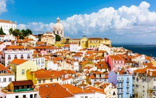 Η συνοικία της Αλφάμα, μία από τις παλαιότερες στη Λισαβόνα. (Φωτογραφία: Shutterstock)