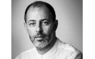 Ο συνθέτης Φίλιππος Τσαλαχούρης διευθύνει το νέο έργο του, το ορατόριο «Κατά  Μάρκον Πάθη, οpus 94».