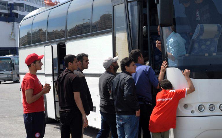 Αντιδράσεις για την ανάθεση της μεταφοράς των προσφύγων στα ΚΤΕΛ