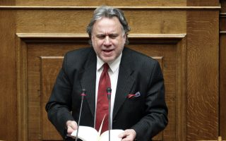 Ο υπουργός Εργασίας Γιώργος Κατρούγκαλος κατέθεσε στη Βουλή αναλογιστικές μελέτες, καθώς και την οικονομική μελέτη βιωσιμότητας του ασφαλιστικού συστήματος.